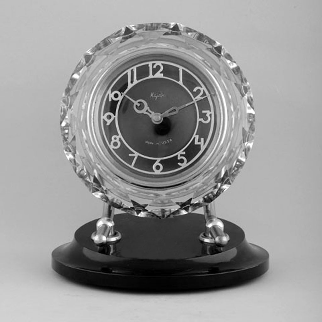 desk clock Majak, Serdobsk Clock Factory, made in USSR, 1975